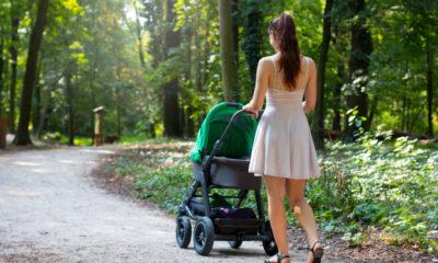 bayi baru lahir jalan-jalan